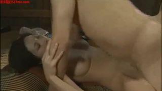 【ヘンリー塚本】禿オヤジと不倫をする巨乳の人妻